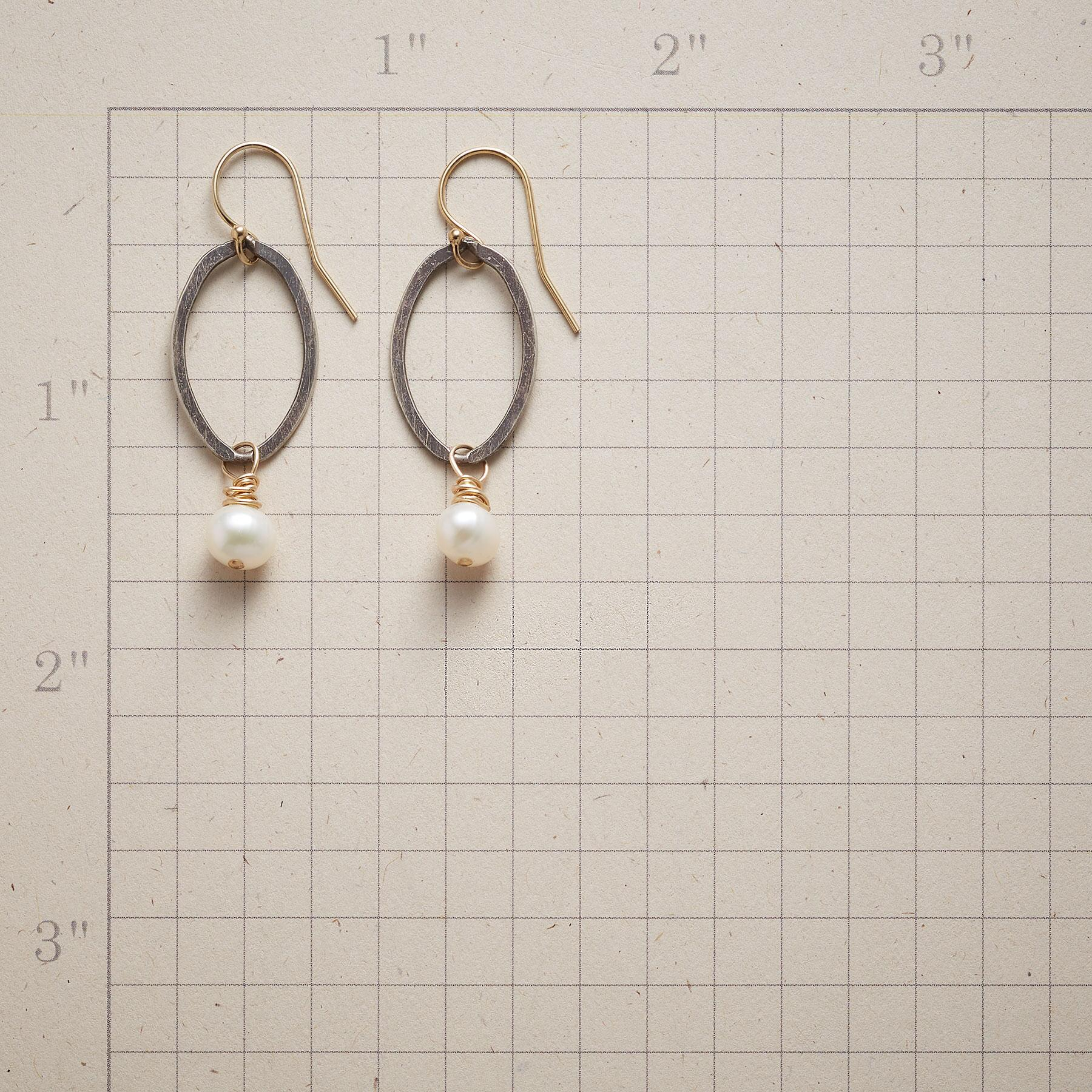 OVALS AND PEARLS EARRINGS: View 2