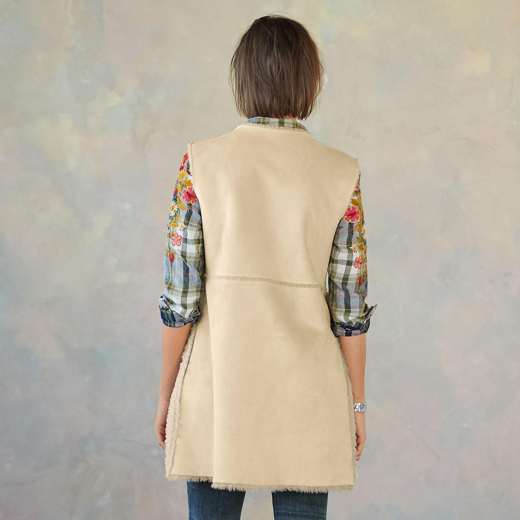 THESSALY REVERSIBLE VEST: View 2