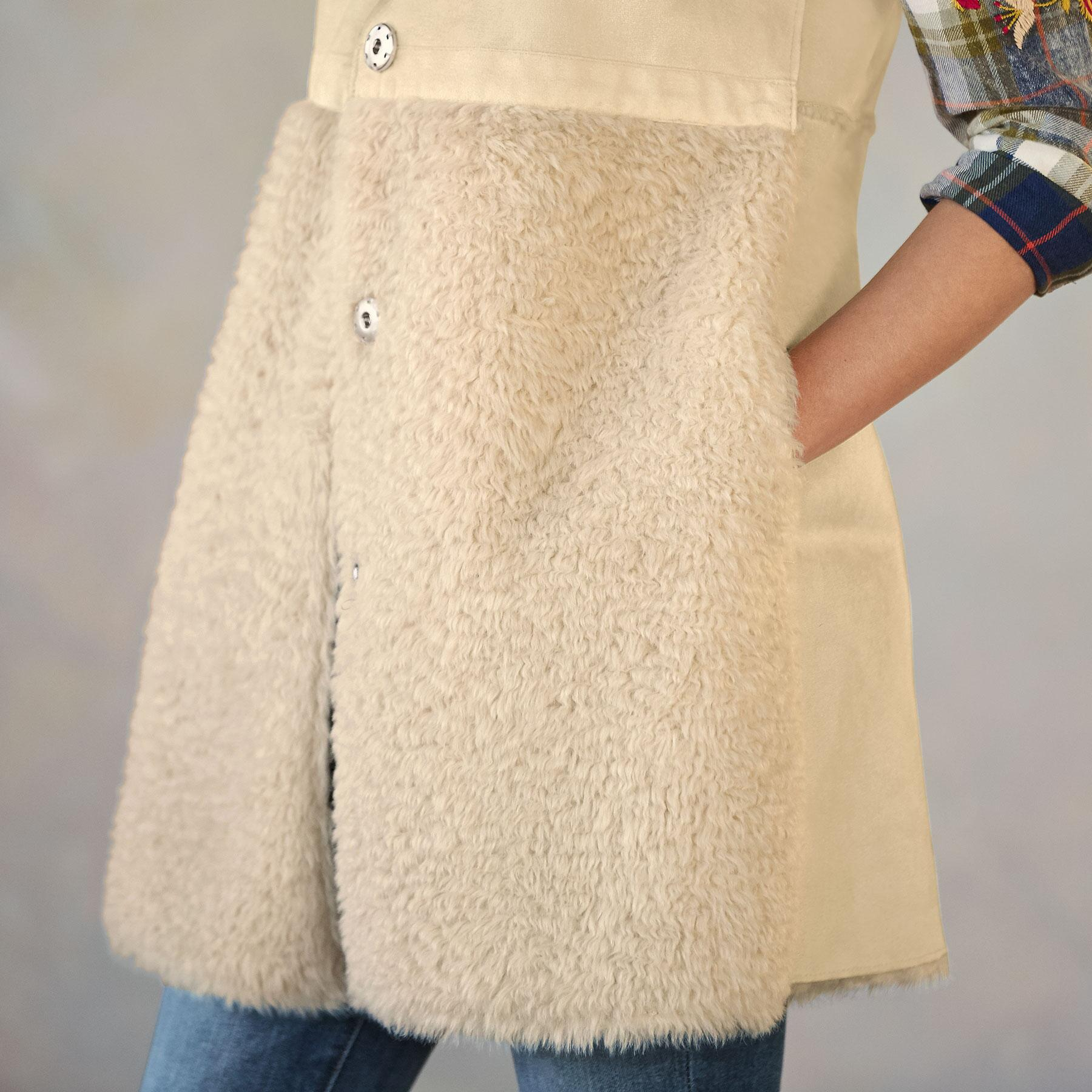 THESSALY REVERSIBLE VEST: View 3