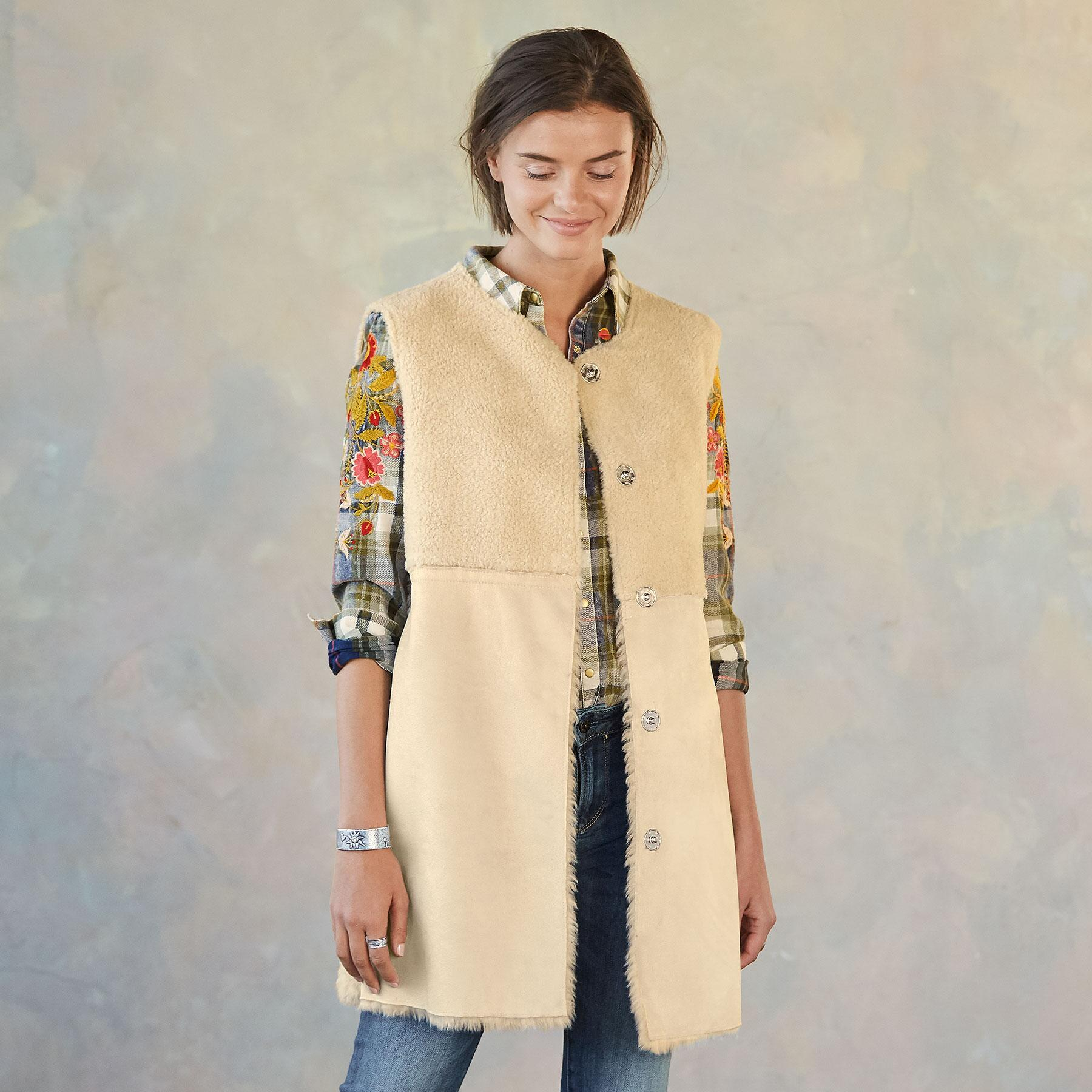 THESSALY REVERSIBLE VEST: View 4