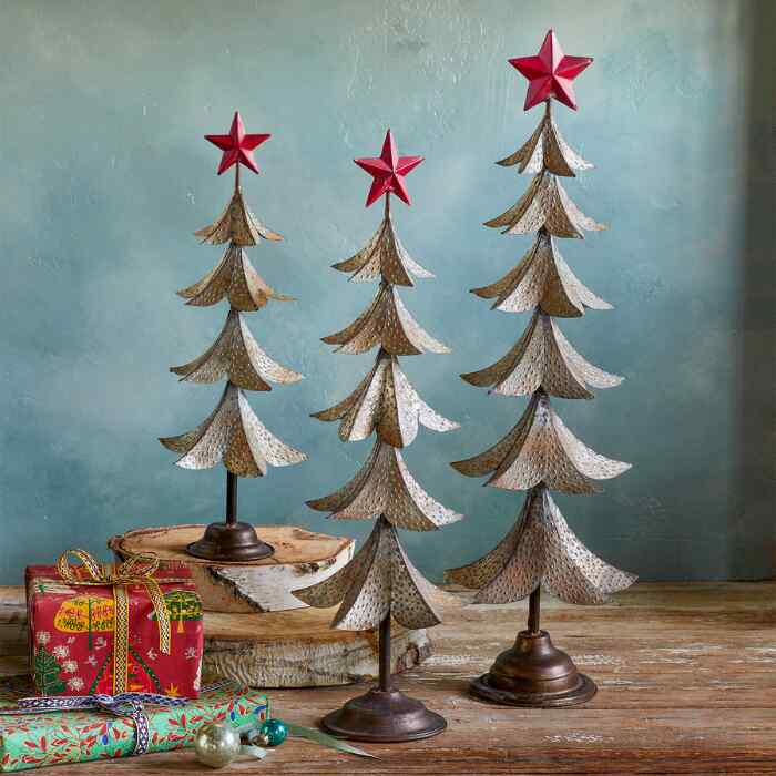 HOLIDAY SHIMMER TREE