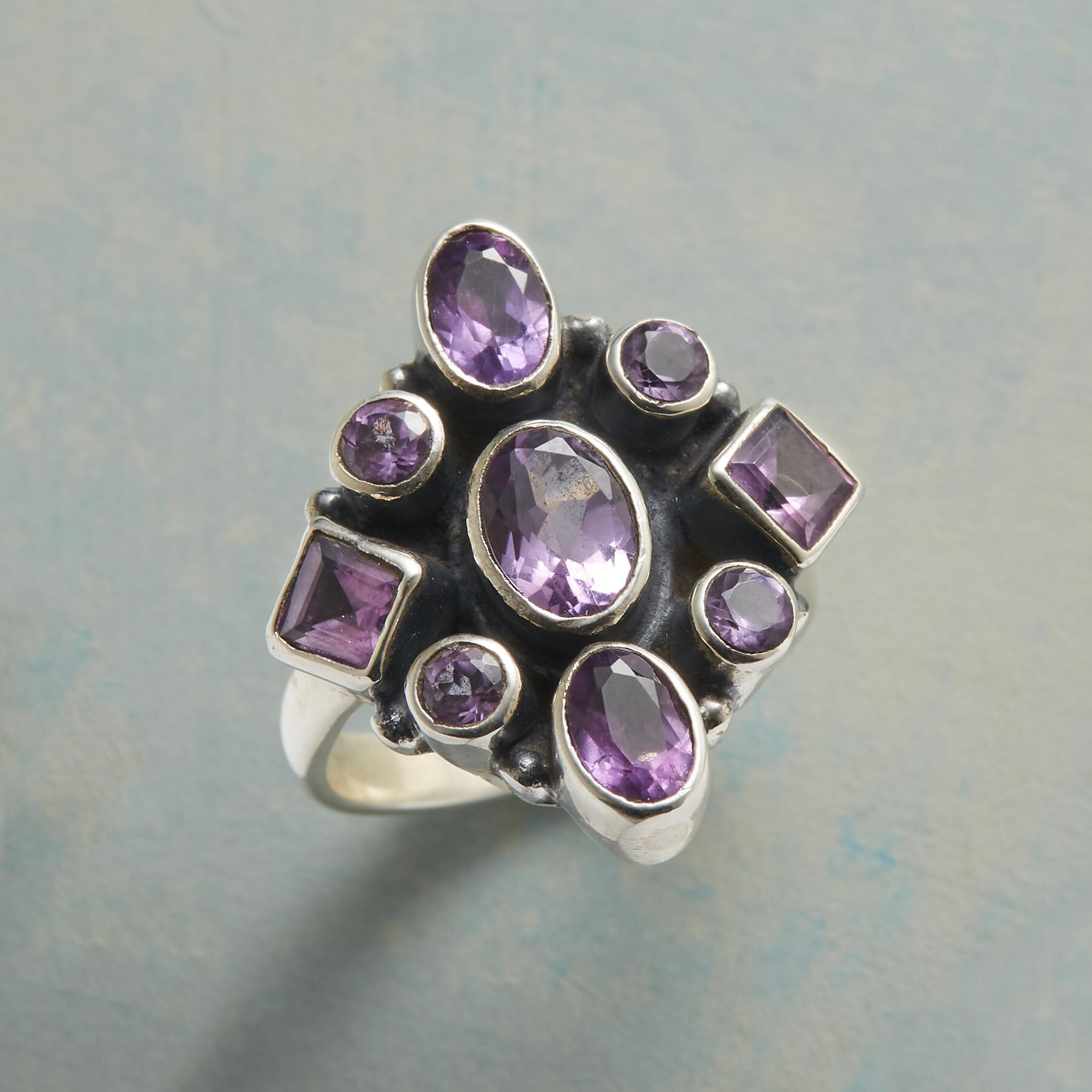 INSIGNIA RING: View 1