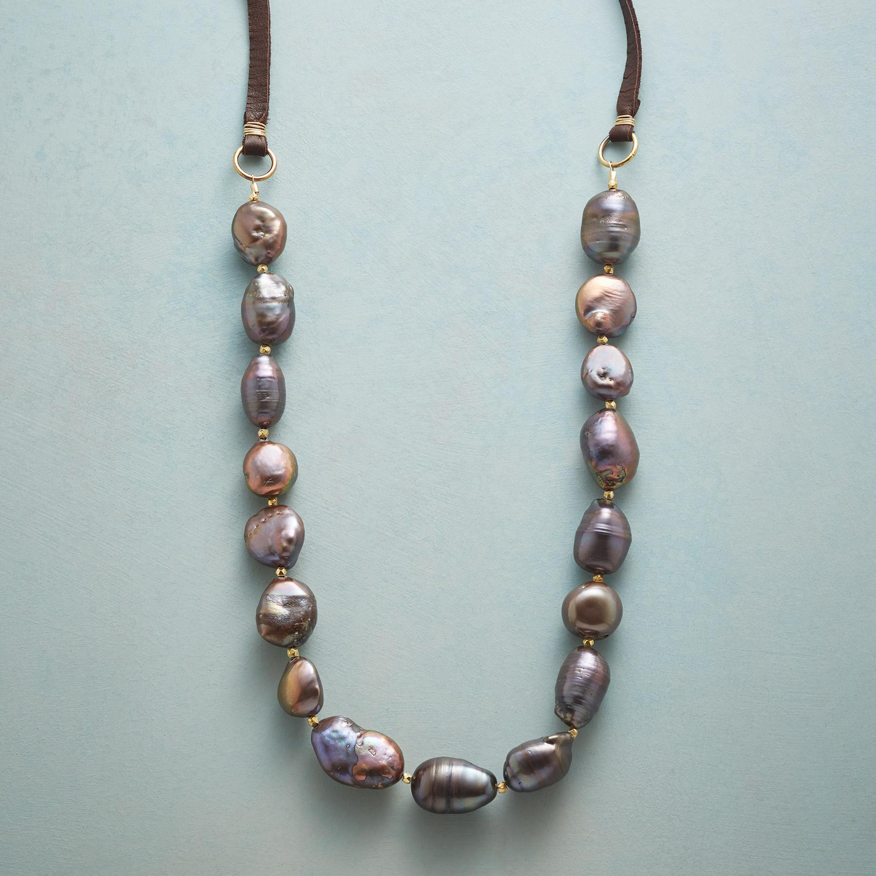 COCO PEARL NECKLACE: View 1
