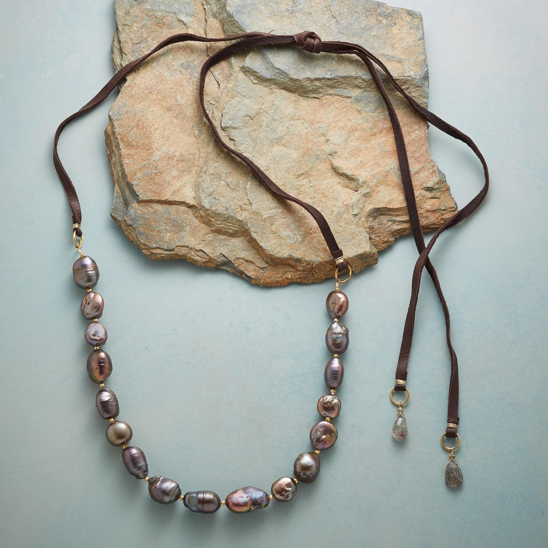 COCO PEARL NECKLACE: View 2