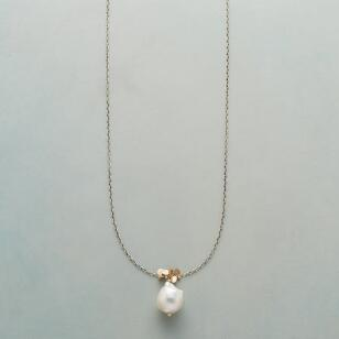 PEARL & PAILLETTES NECKLACE