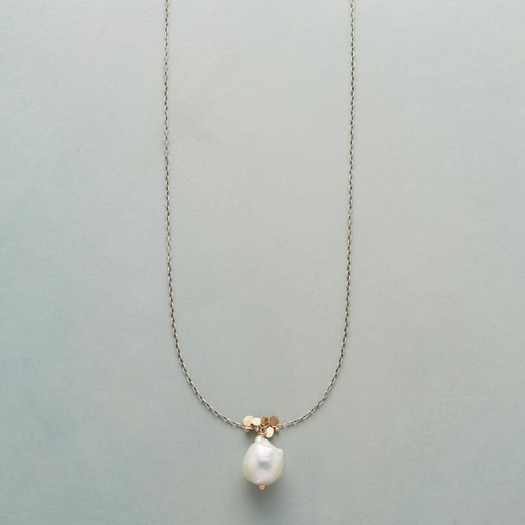 PEARL AND PAILLETTES NECKLACE