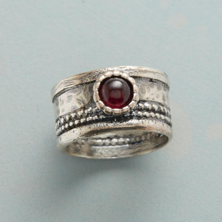 CROWNED GARNET RING