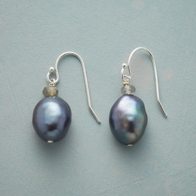 NIGHT RHYTHMS EARRINGS
