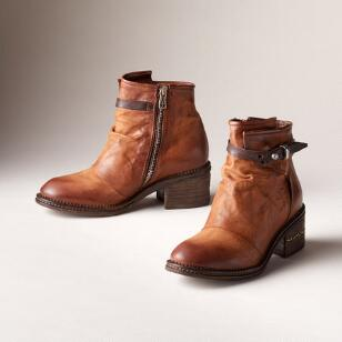 EMBER BOOTS