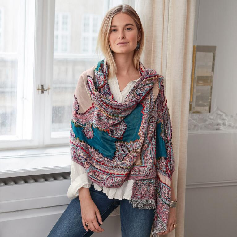 POETRY IN STITCHES SHAWL