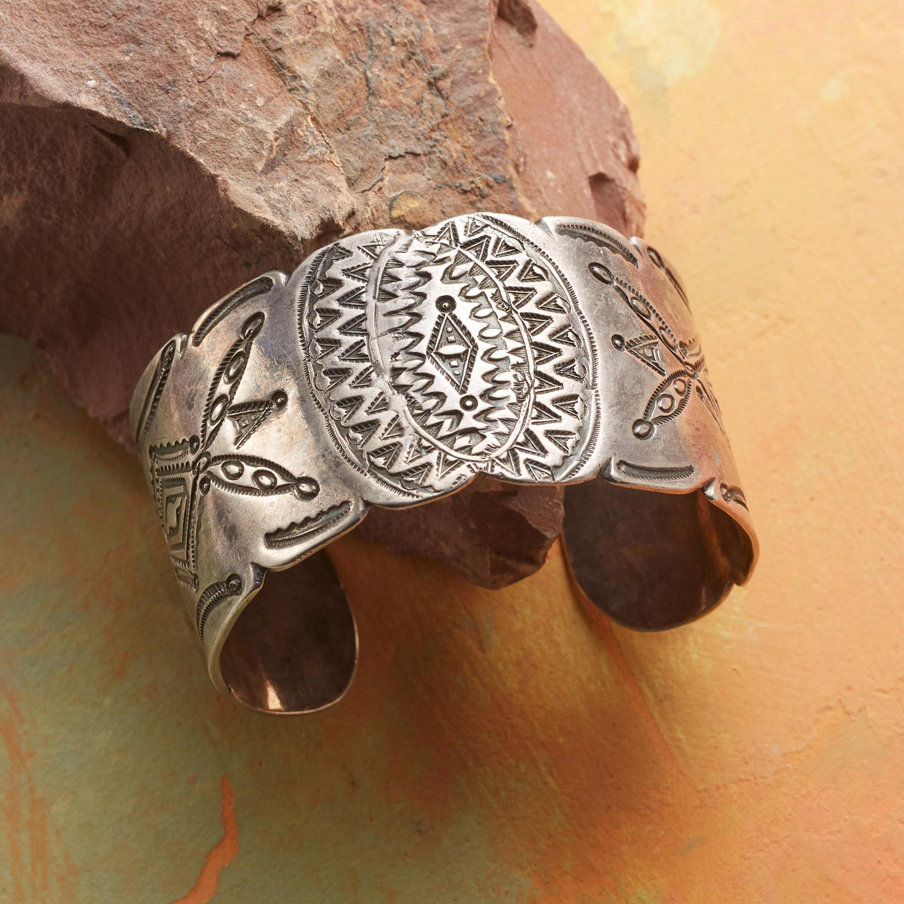 1940S STAMPED NAVAJO CUFF: View 1
