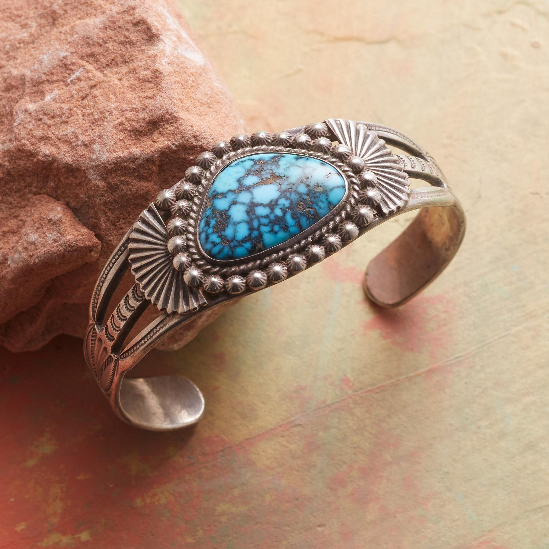 1940S RED MOUNTAIN TURQUOISE CUFF: View 1