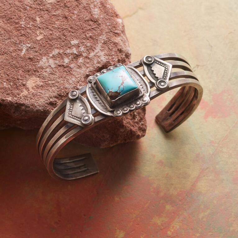 VINTAGE TURQUOISE & OVERLAY CUFF