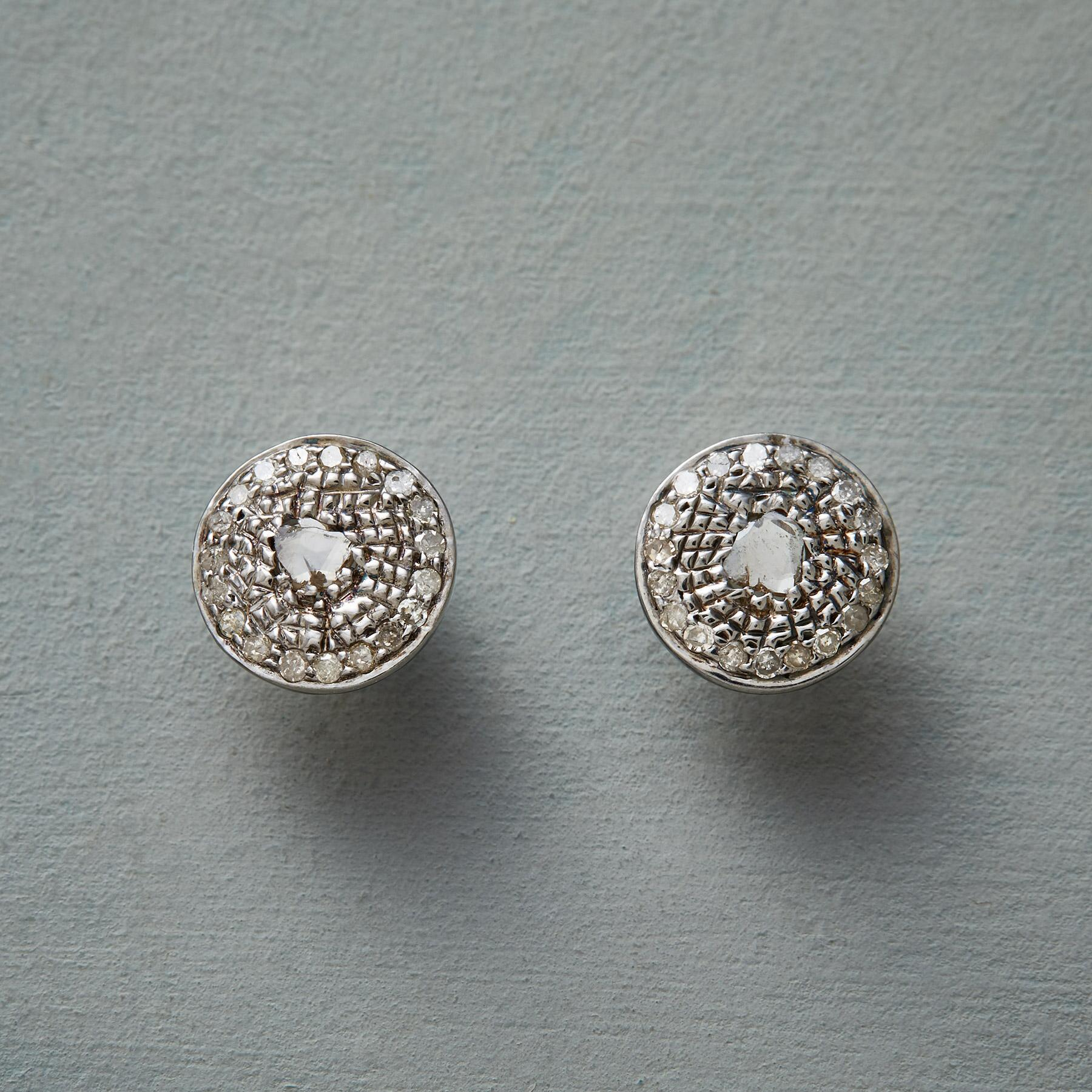 CHAMPAGNE AND STARLIGHT EARRINGS: View 1