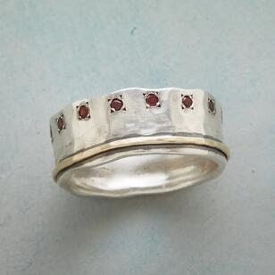 STARBURST GARNET RING
