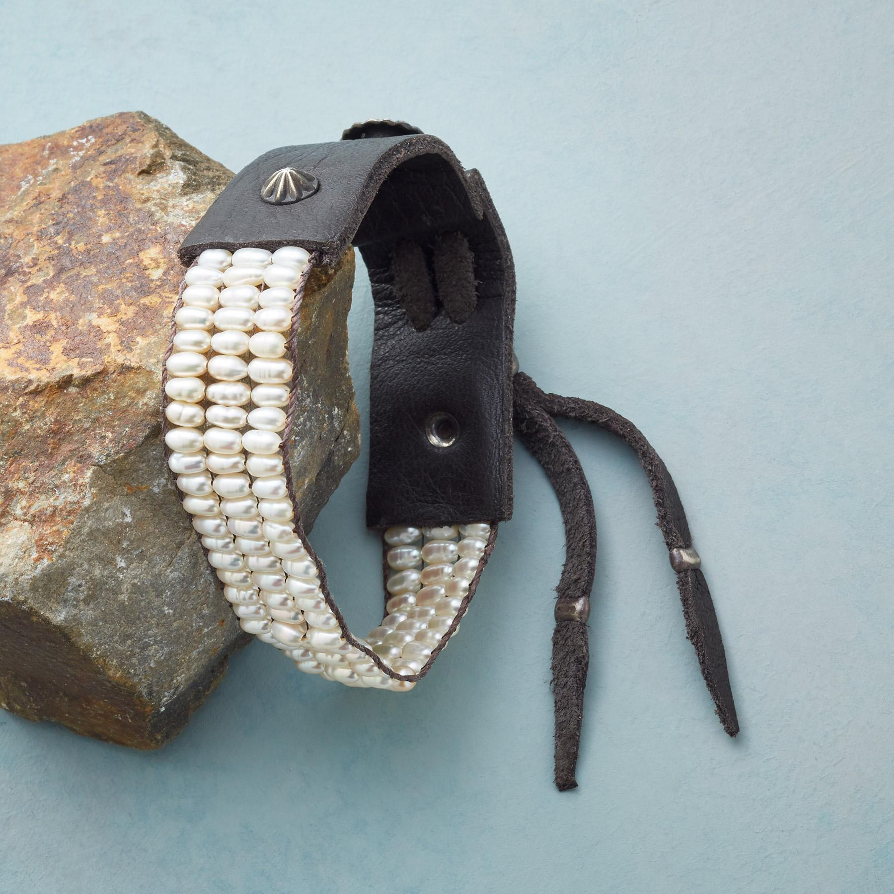 WOVEN PEARLS BRACELET: View 1