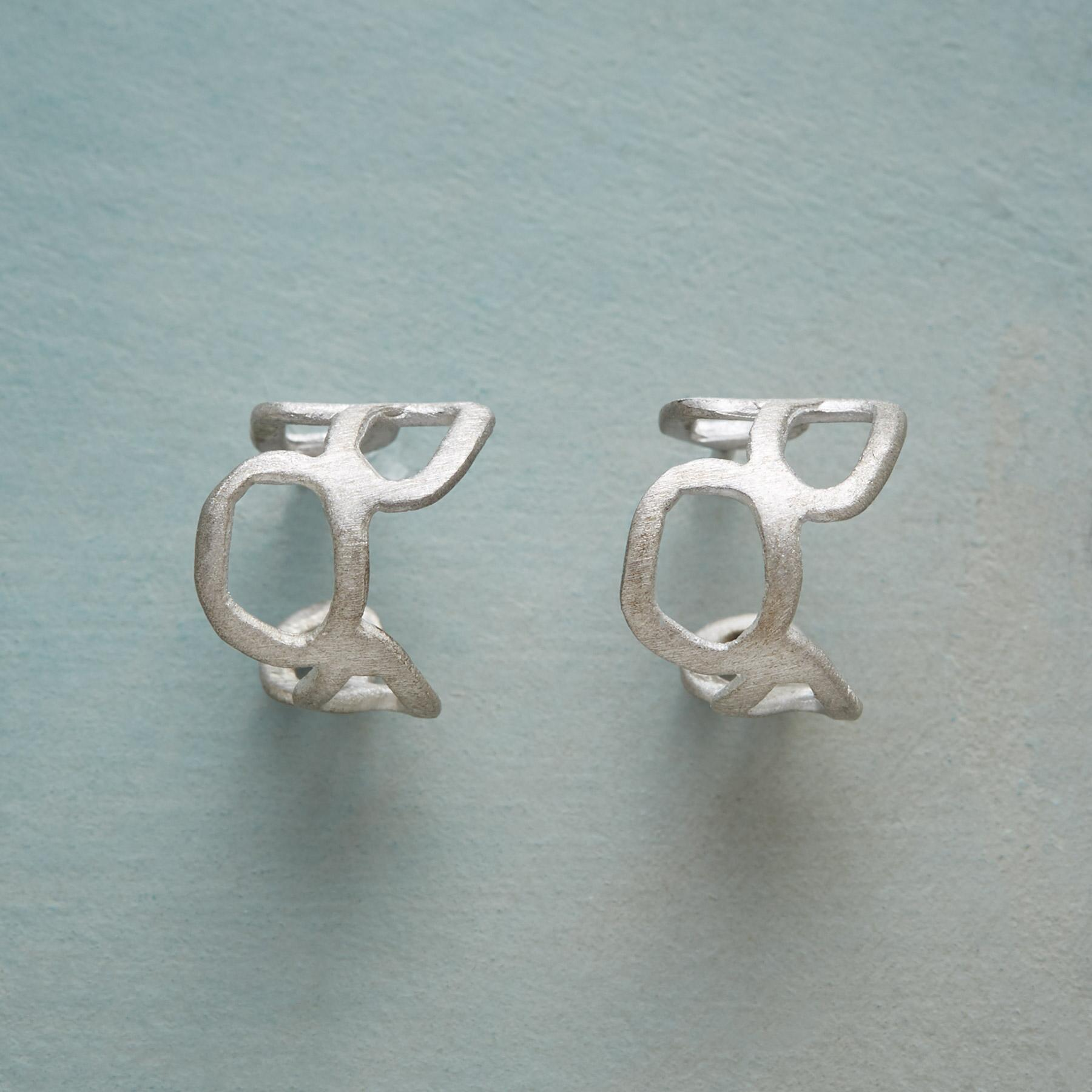 STERLING SILVER MEANDER EARRINGS: View 1