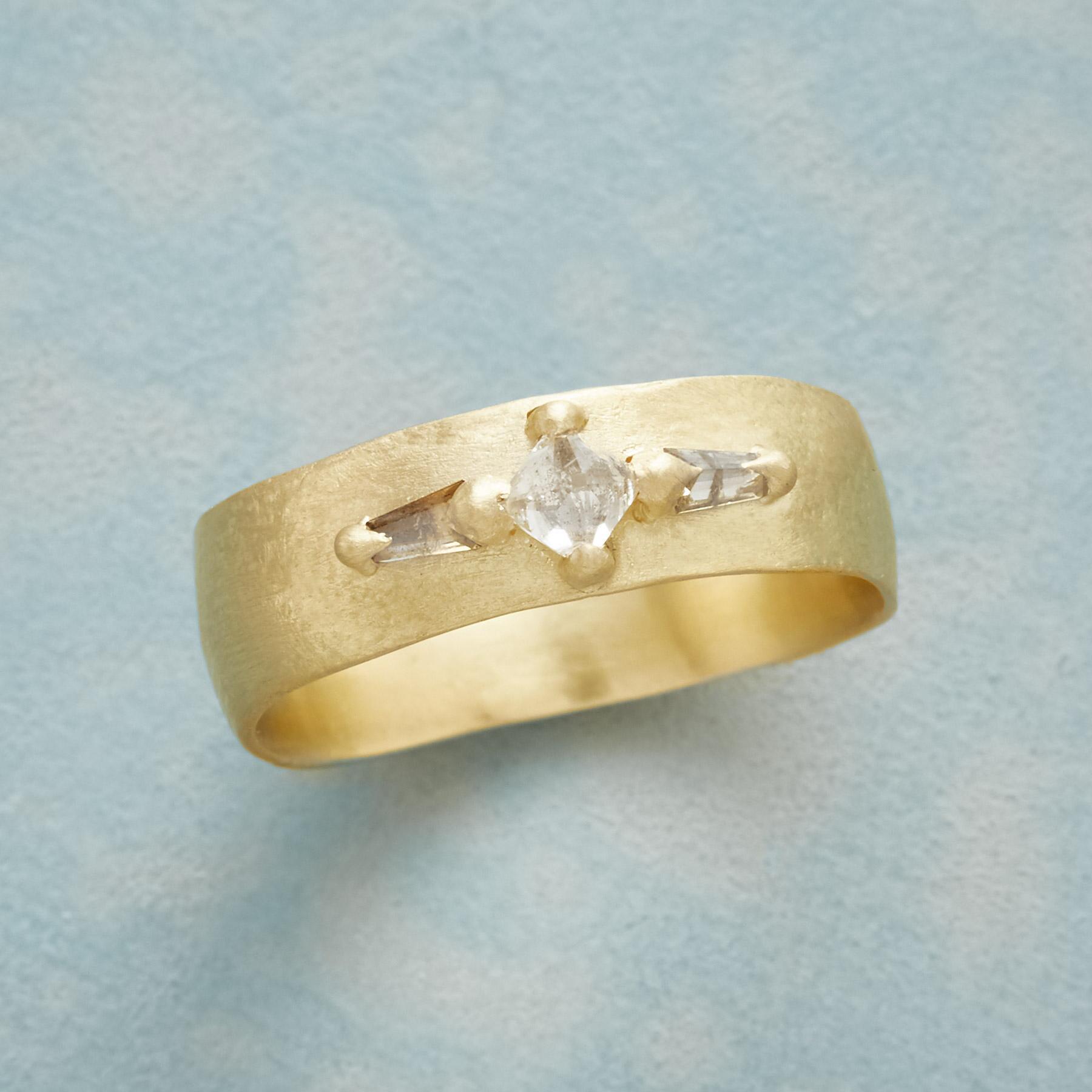 DIAMOND PYRAMID RING: View 1