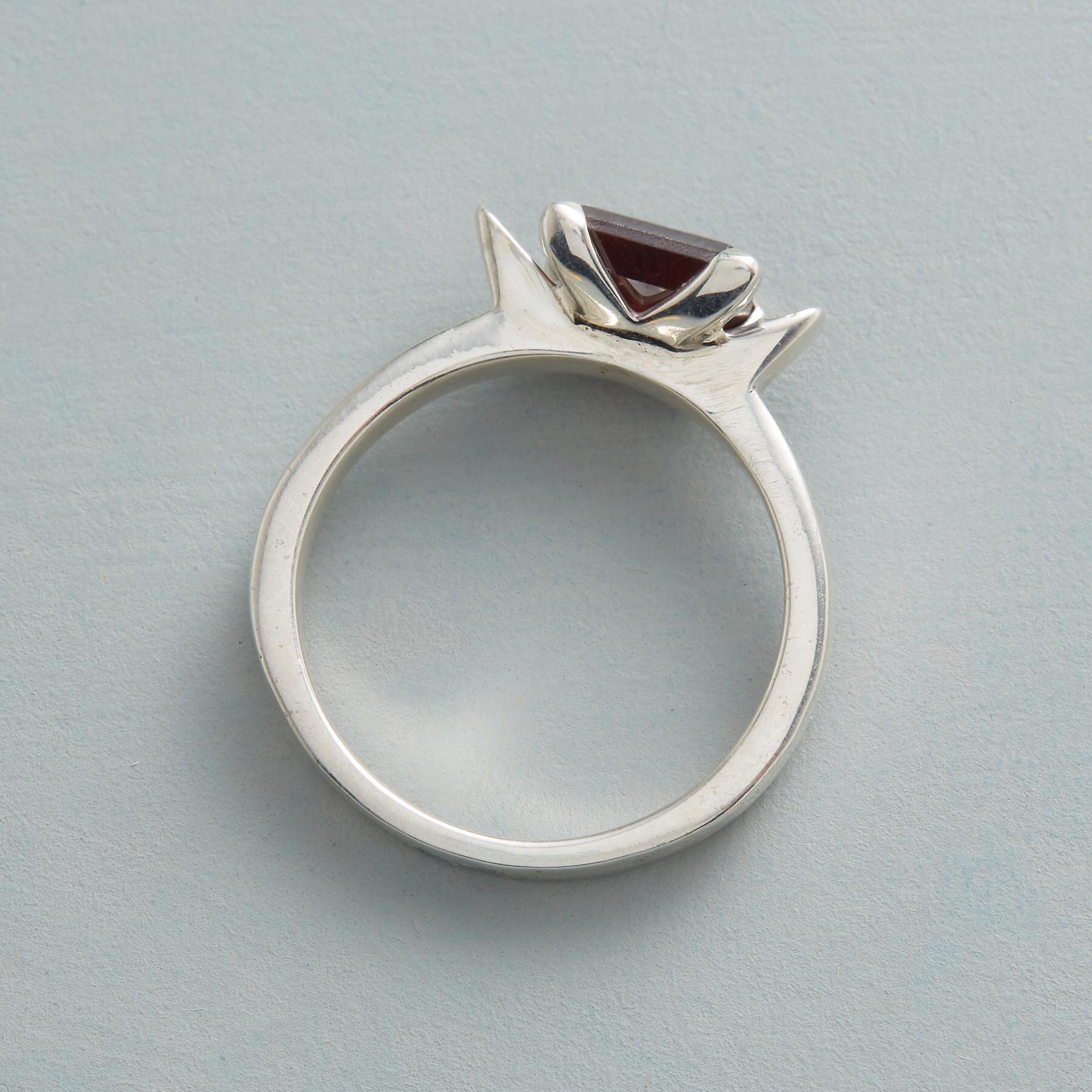 ROMANTIC GARNET RING: View 2