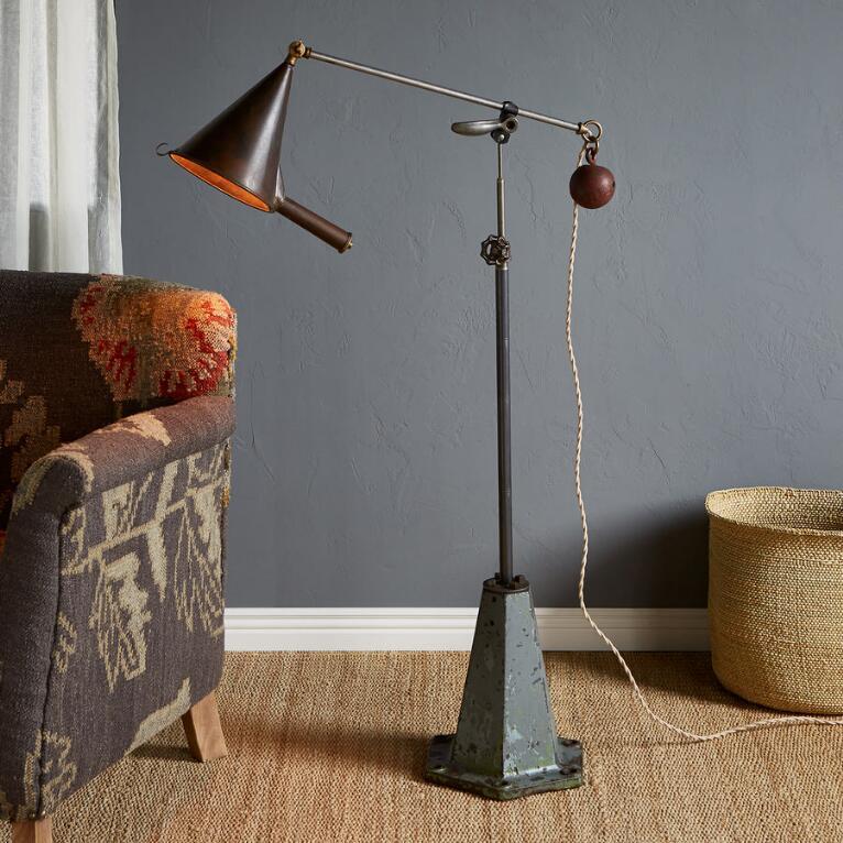 BARTLETT FLOOR LAMP