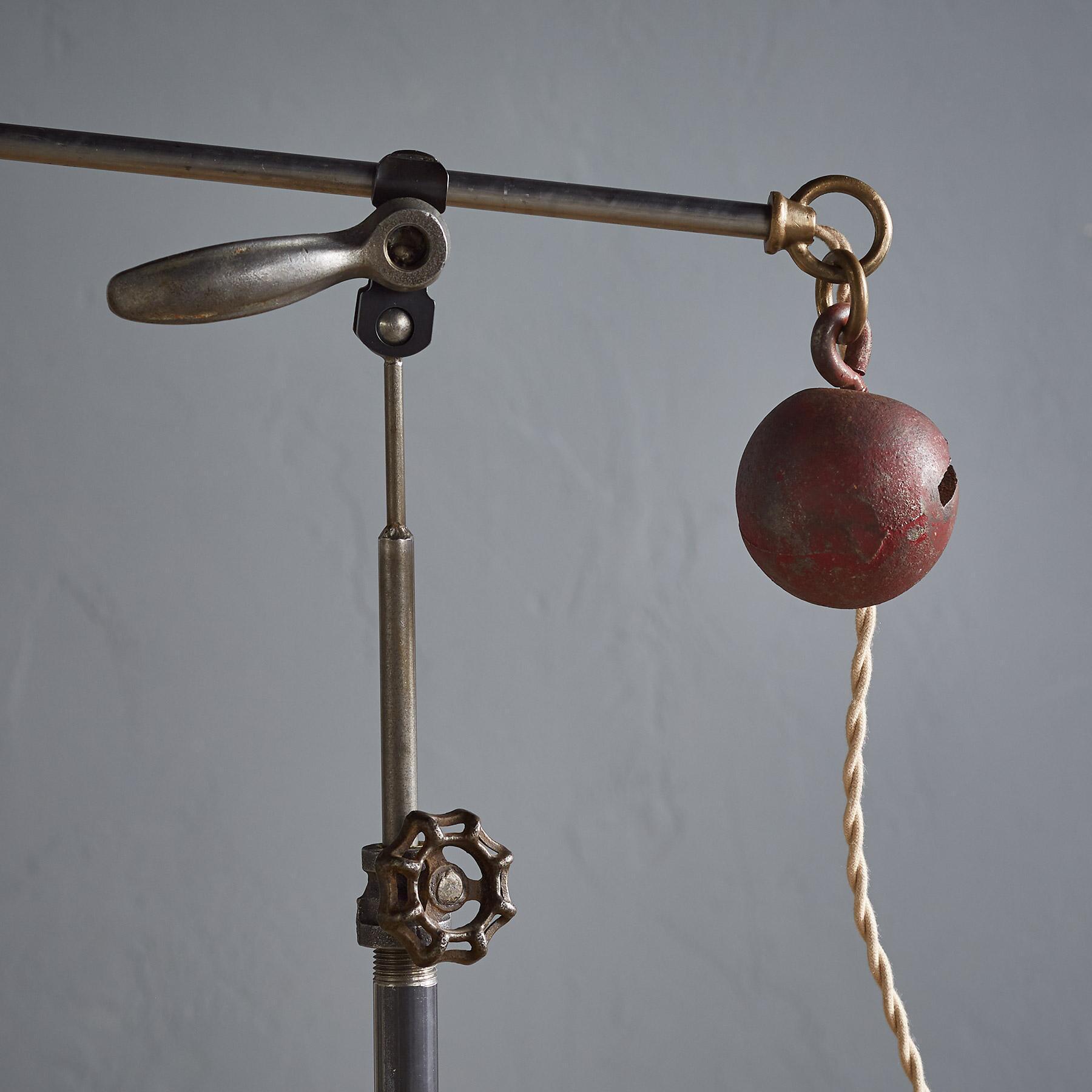 BARTLETT FLOOR LAMP: View 3