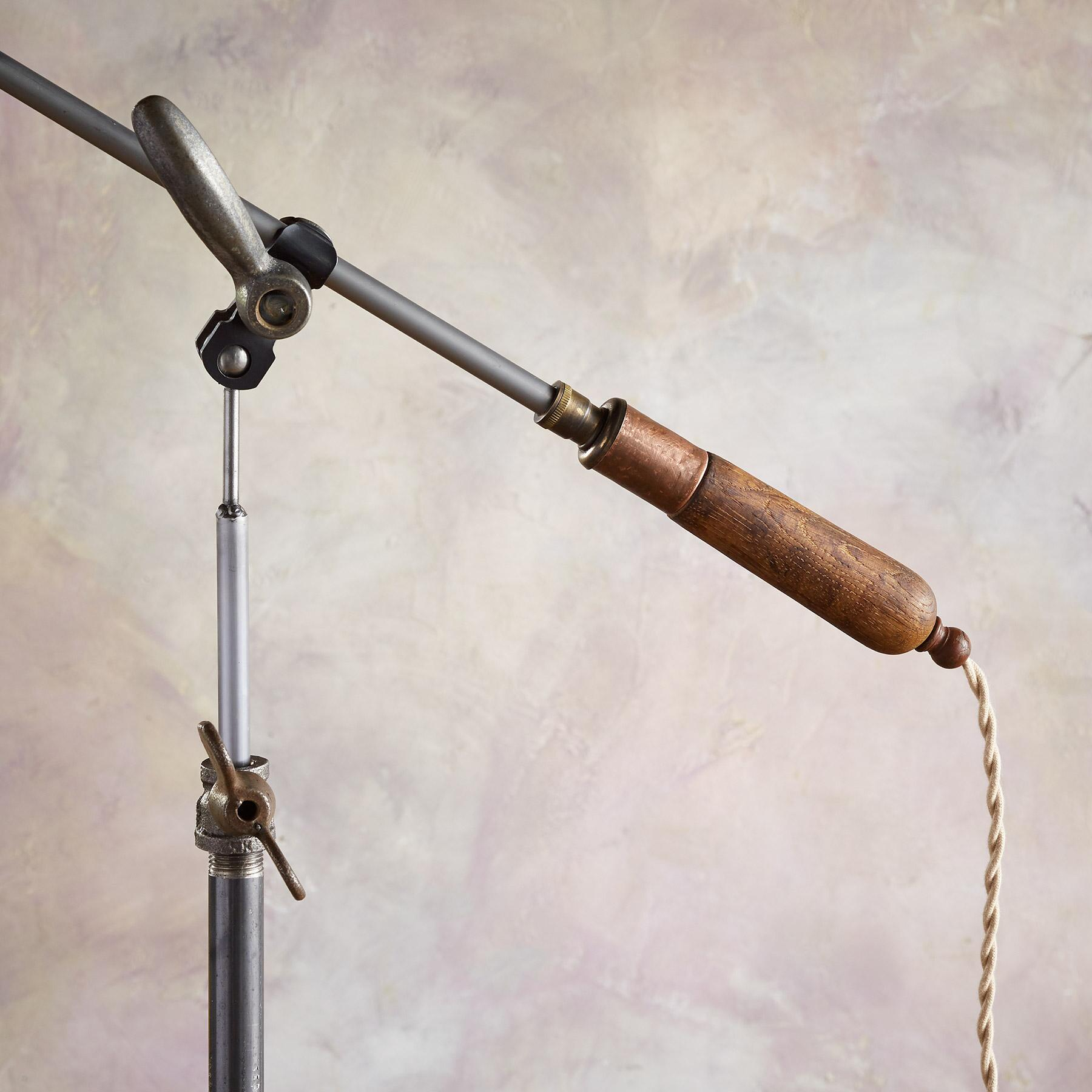 MANCOS TABLE LAMP: View 3