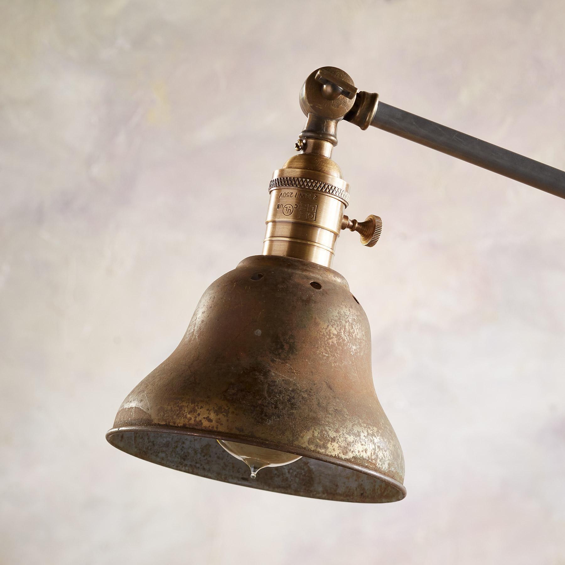 ANIMAS TABLE LAMP: View 2