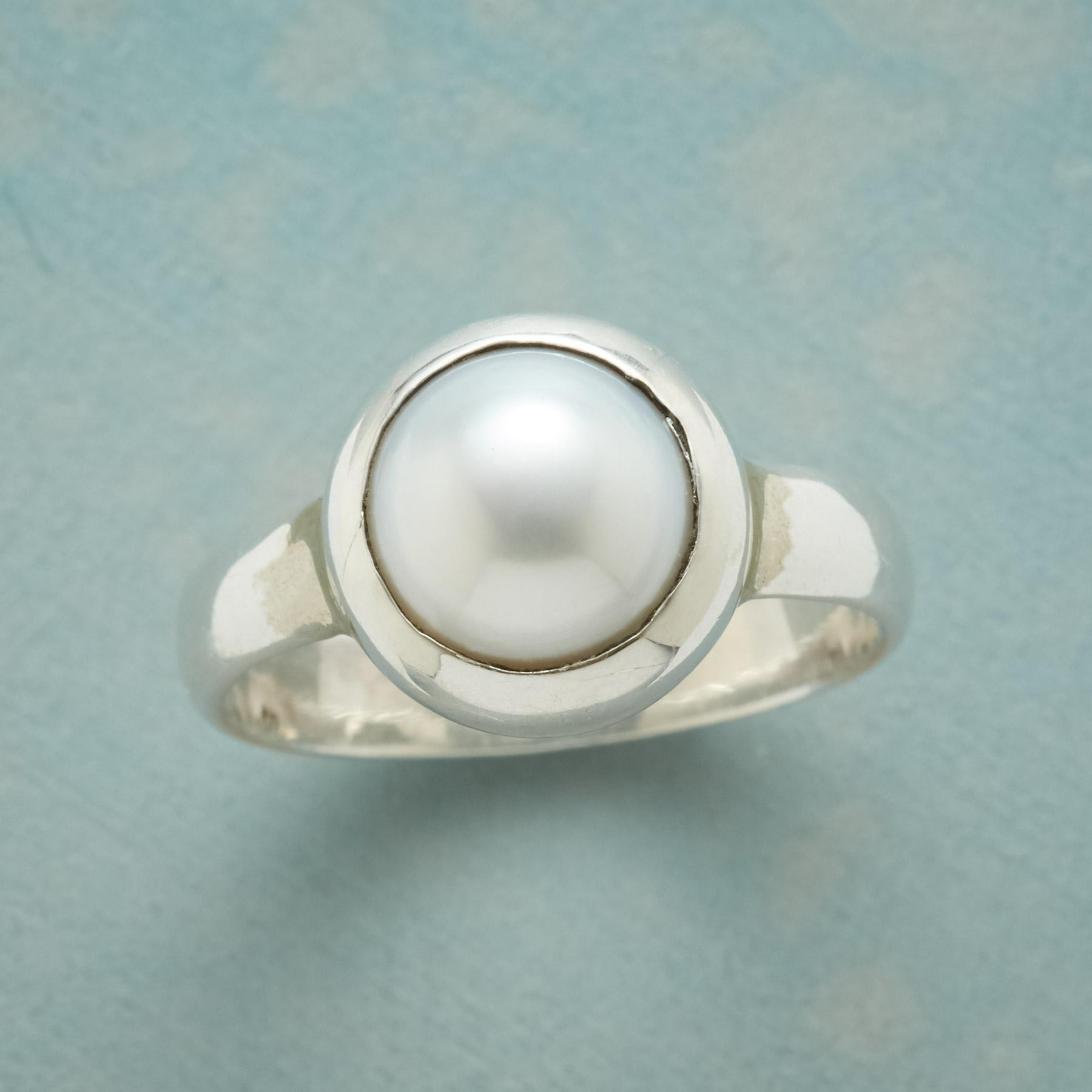 SYNCHRONICITY PEARL RING: View 1