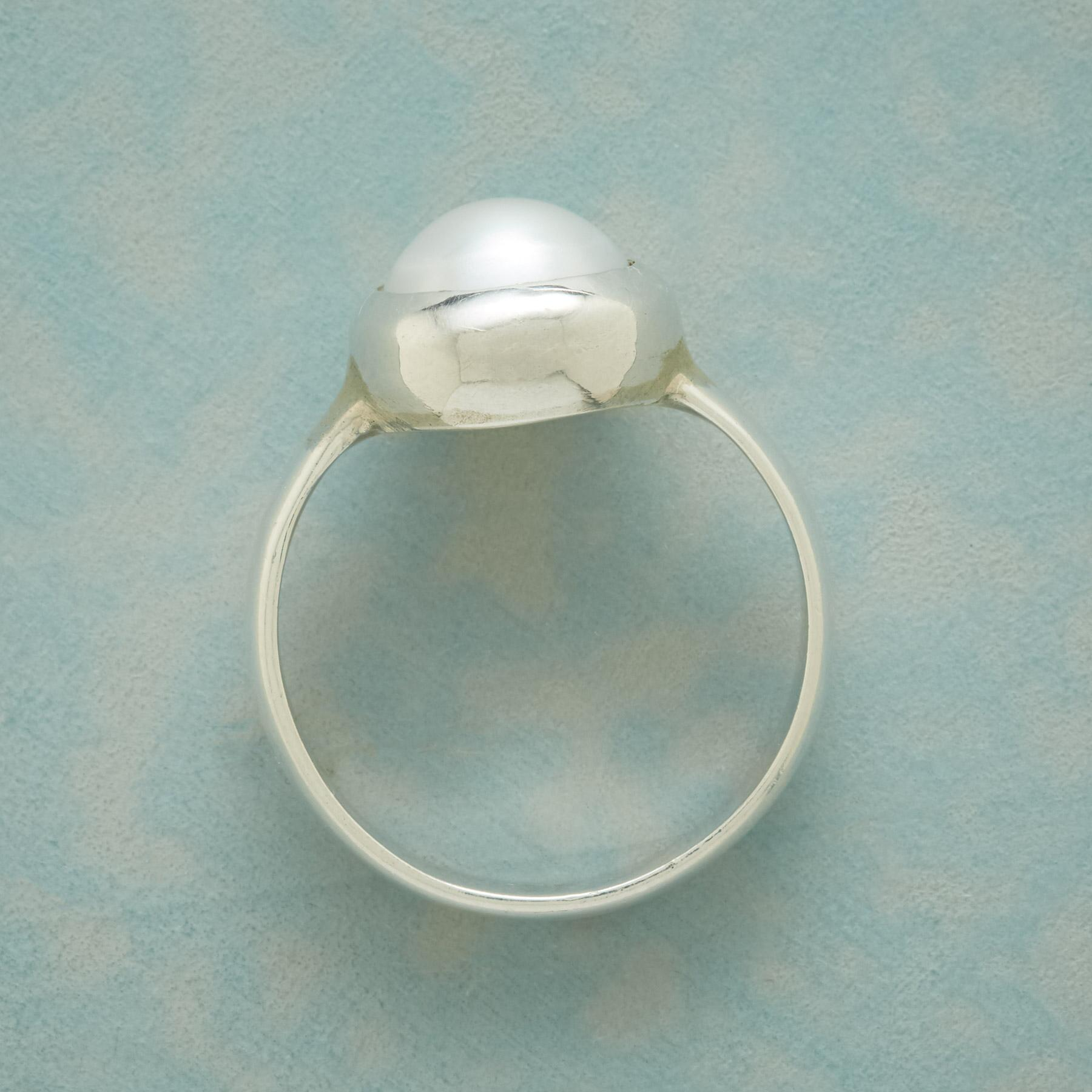 SYNCHRONICITY PEARL RING: View 2