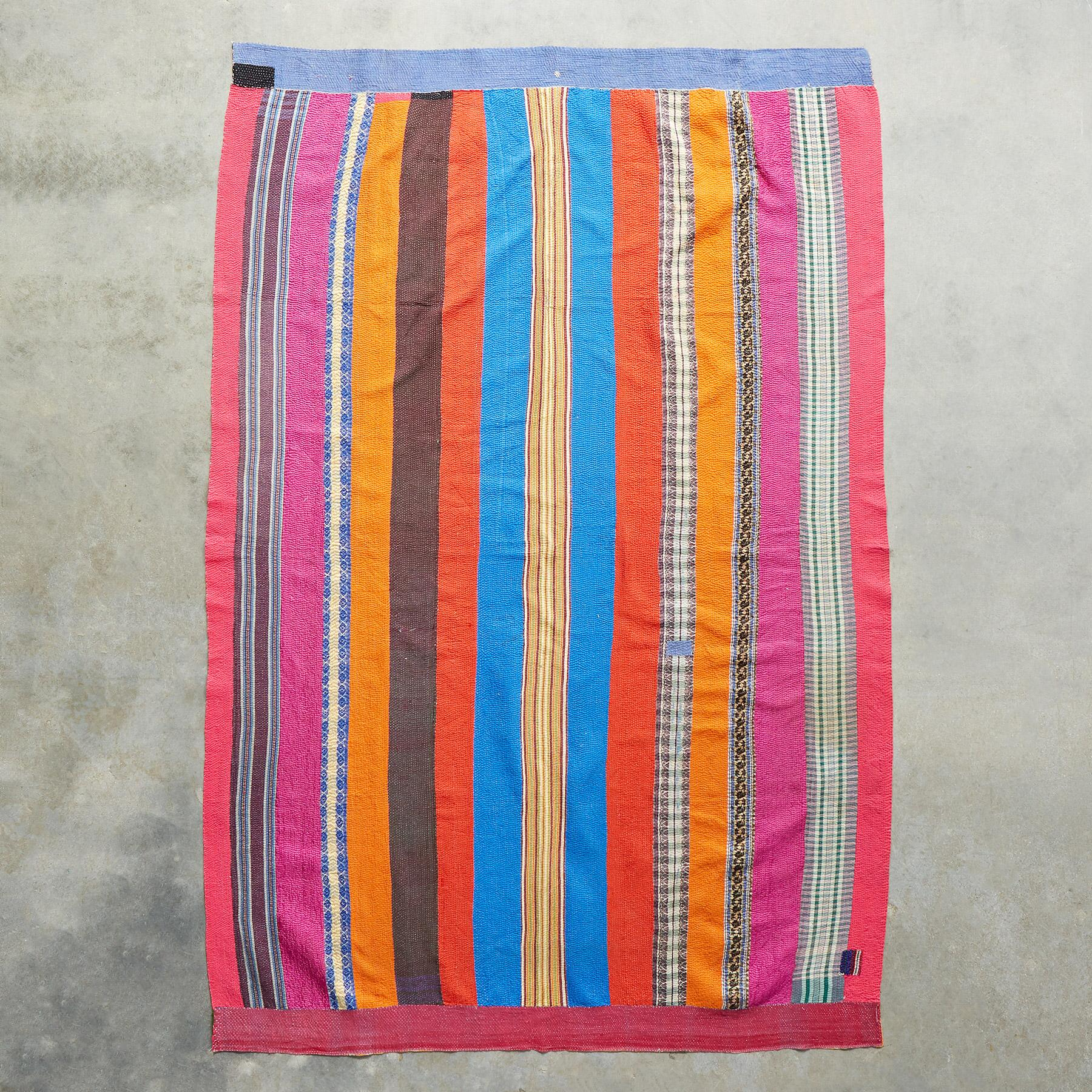 BASHKAR SARI THROW: View 1