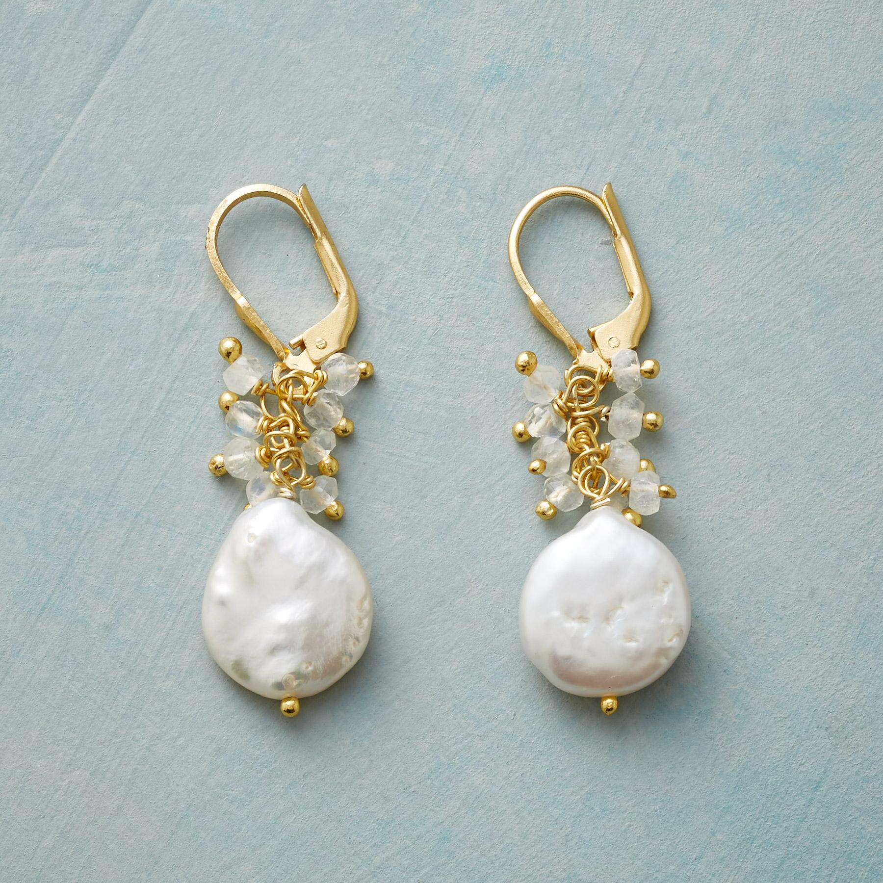 DIVINE MAGIC EARRINGS: View 1