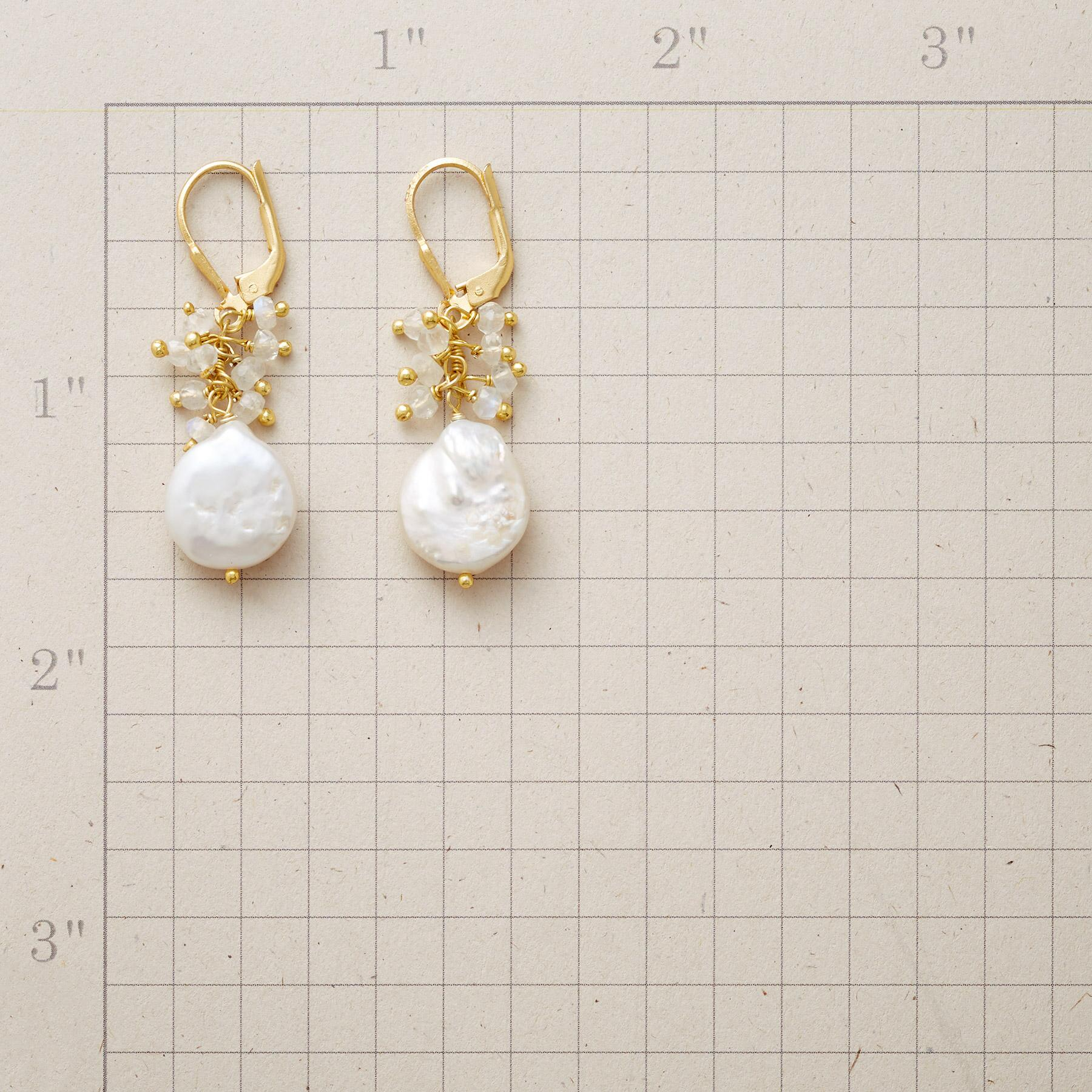 DIVINE MAGIC EARRINGS: View 2