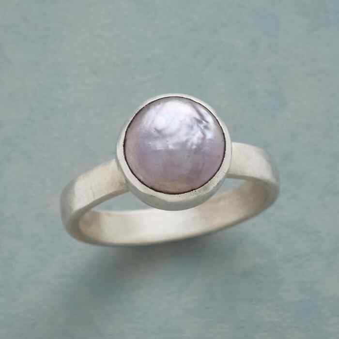 PEARL SHIMMER RING