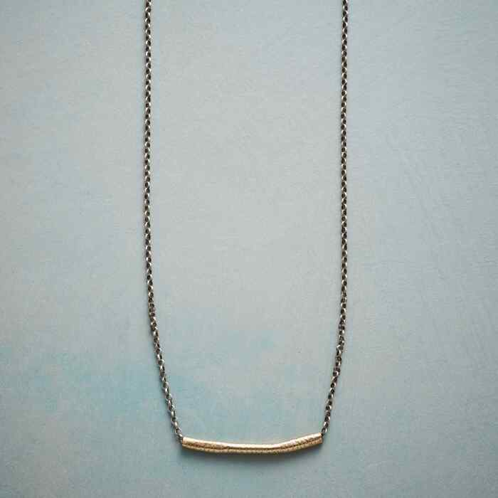 BELLE BAR NECKLACE