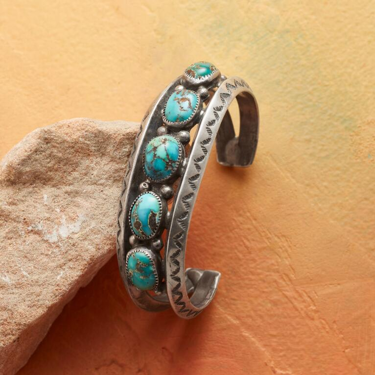 1960S PERSIAN TURQUOISE CUFF