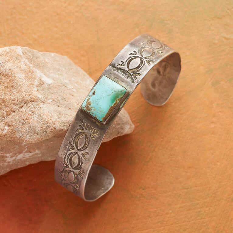 1930S RED MOUNTAIN TURQUOISE CUFF