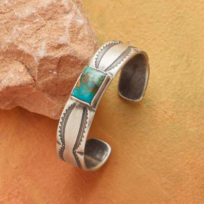 CENTERED TURQUOISE CUFF
