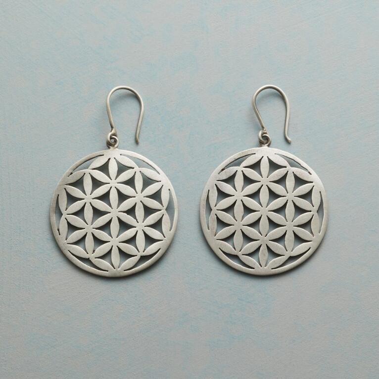 CIRQUE DE FLEUR EARRINGS