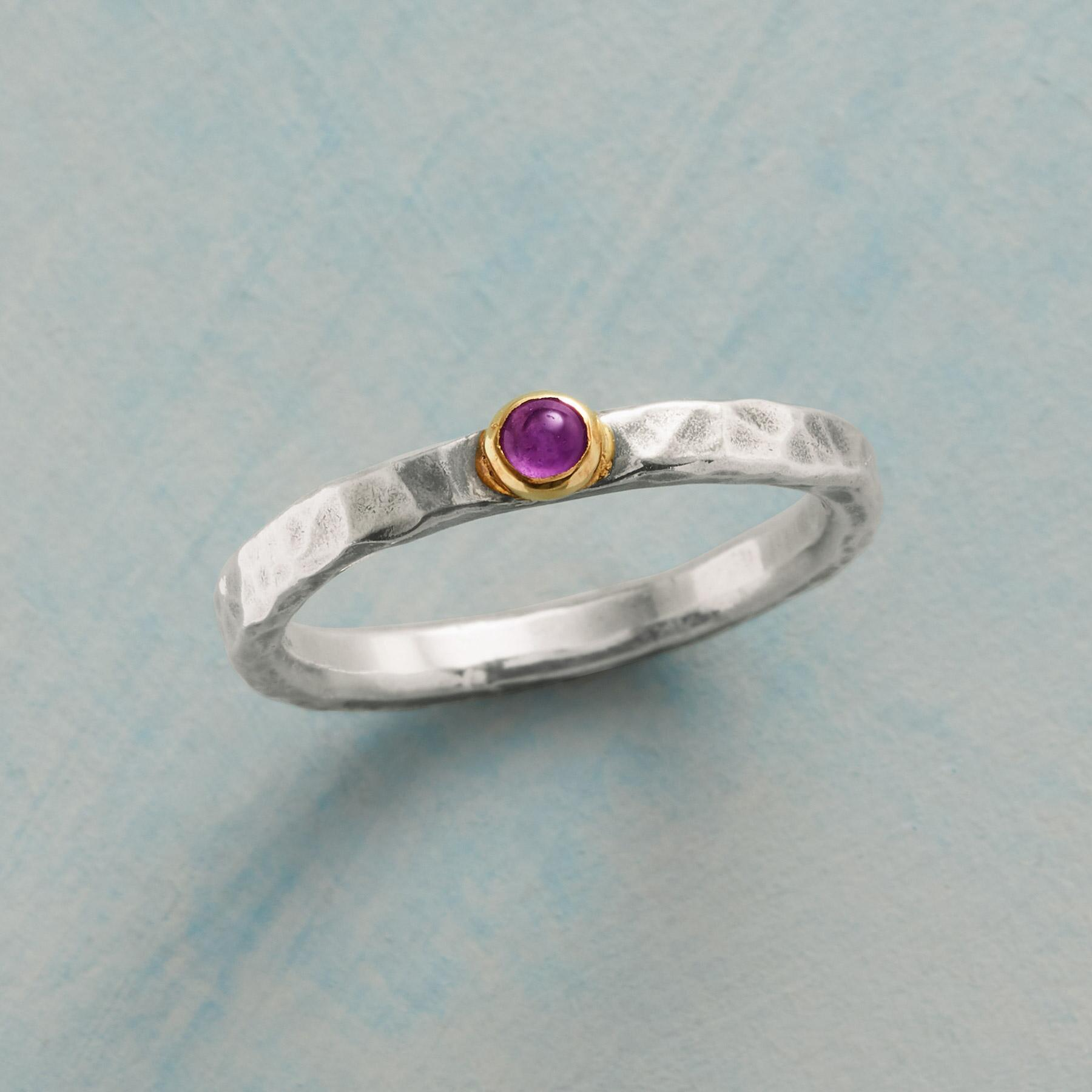 GENTLE BEAUTY RING: View 1