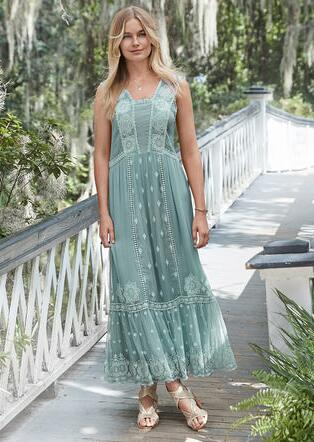 ETHEREAL MOMENTS MAXI DRESS