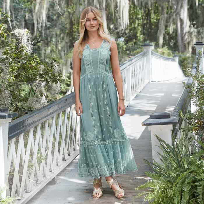 ETHEREAL MOMENTS MAXI