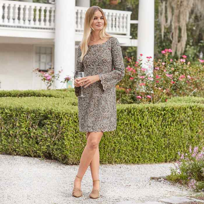 PURE ELEGANCE SHIFT DRESS PETITE