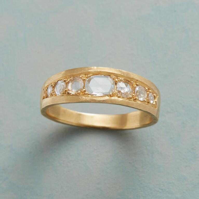 GLISTEN DIAMOND RING