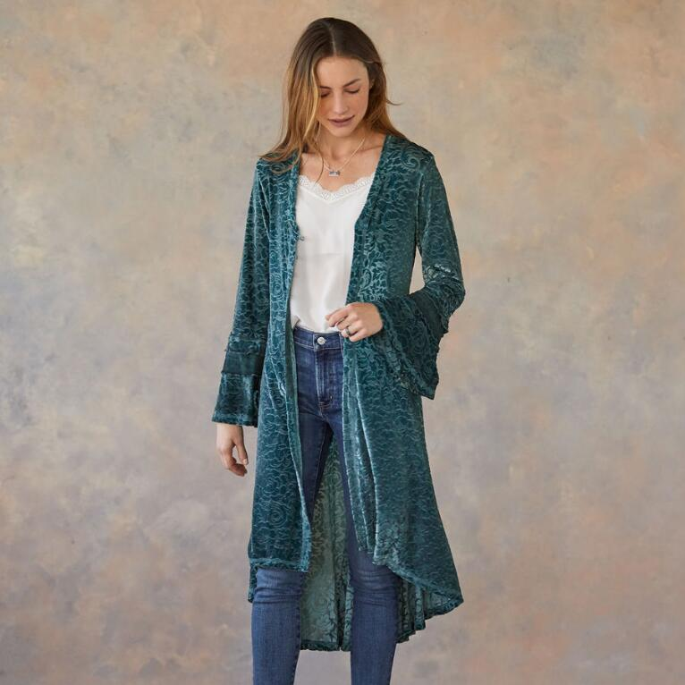 VINE AND VELVET DUSTER