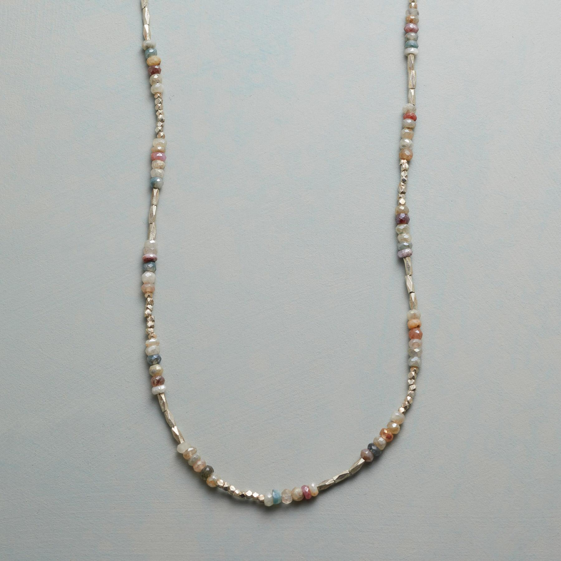 EXQUISITE LIGHT NECKLACE: View 1