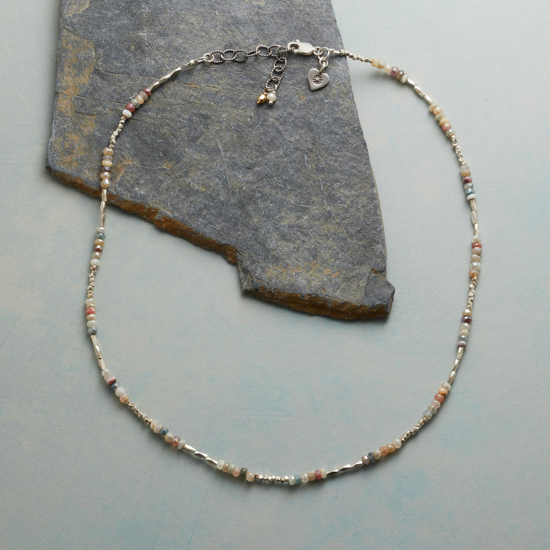 EXQUISITE LIGHT NECKLACE: View 2