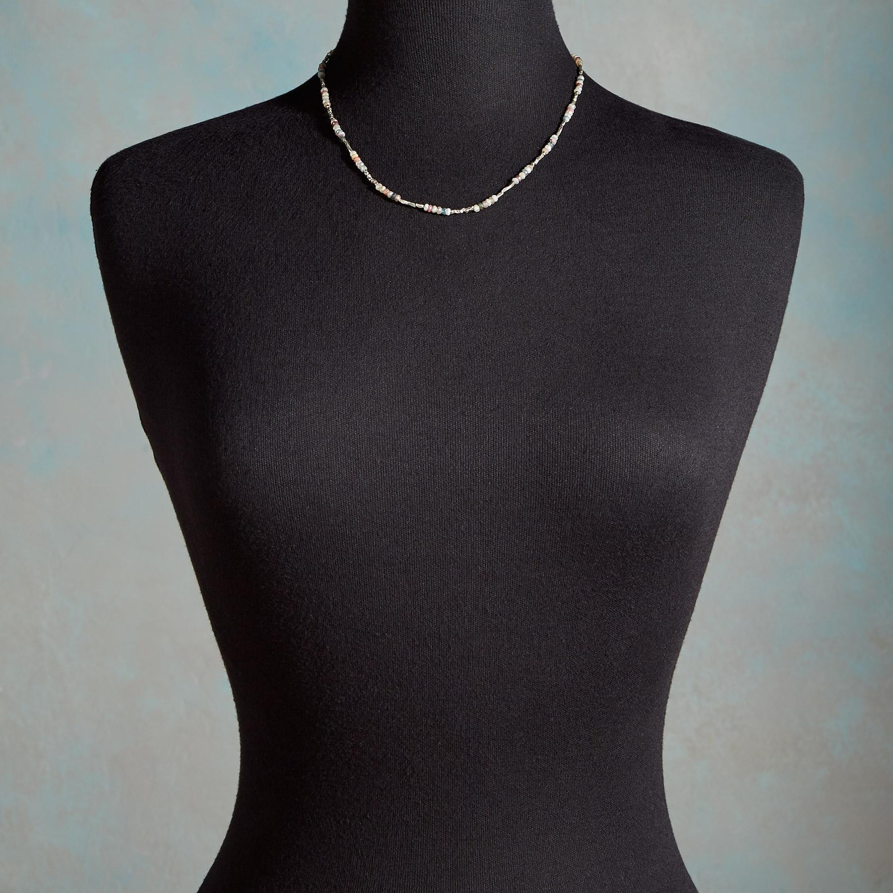 EXQUISITE LIGHT NECKLACE: View 4