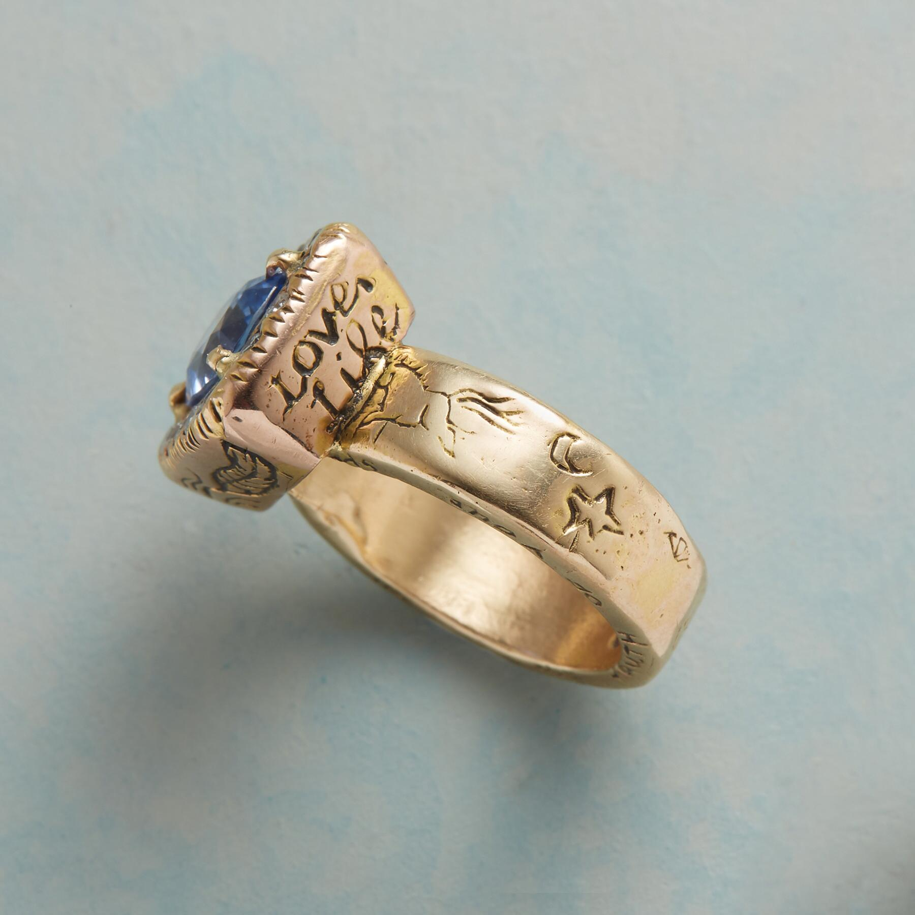 HER MAJESTY'S SAPPHIRE RING: View 4