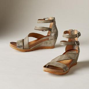 MOON LUSTER SANDALS