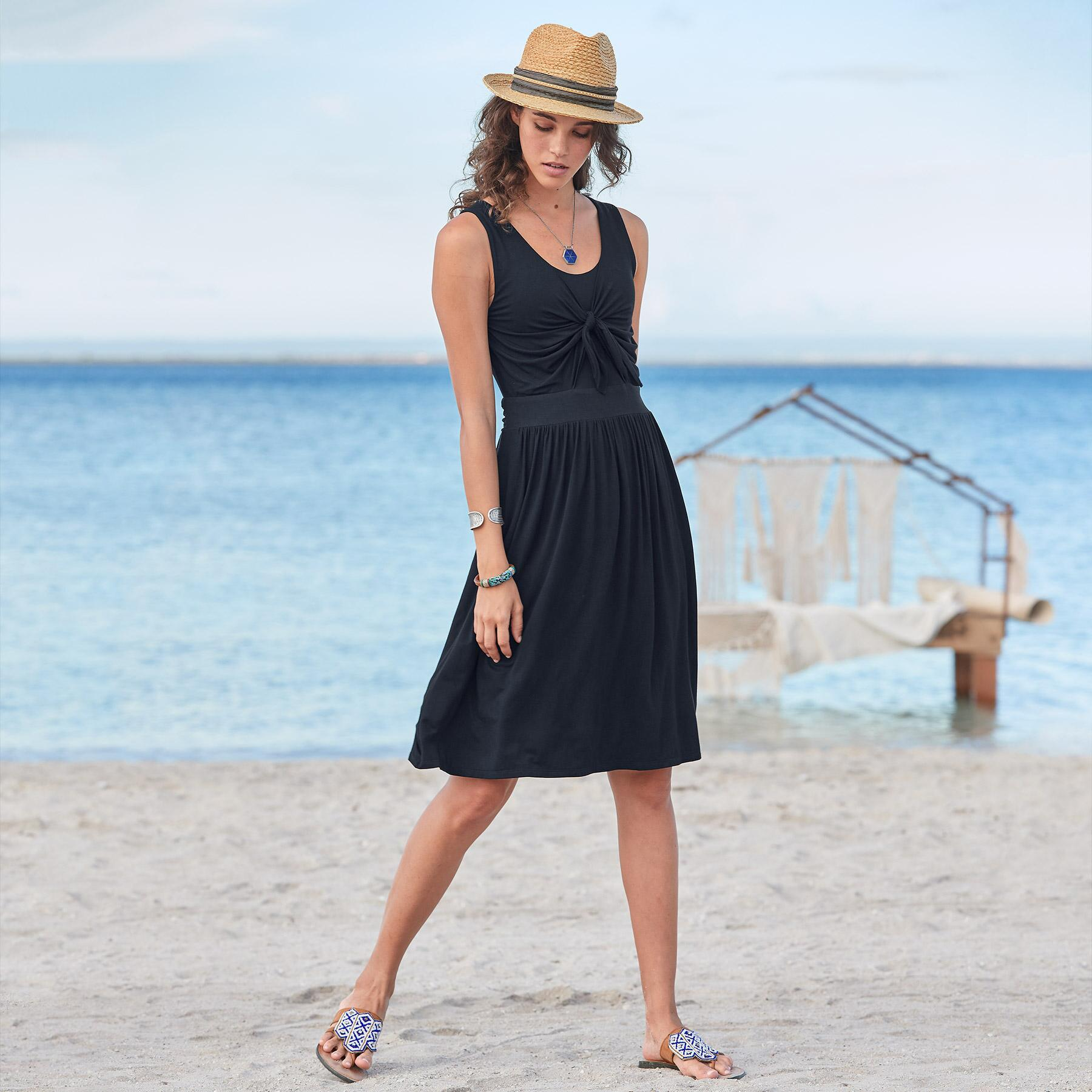 EASY TRAVEL DAYS DRESS: View 1